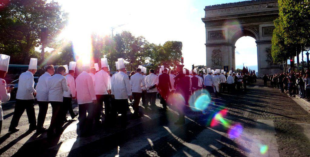 Les Cuisiniers de l'Académie Culinaire de France ravivent la flamme Patrick.Asfaux@aftouch.fr