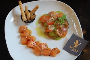 Tartare de saumon frais au sésame