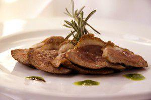 Magret de canard aux asperges