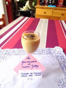 Mousse au caramel beurre salé et chocolat.