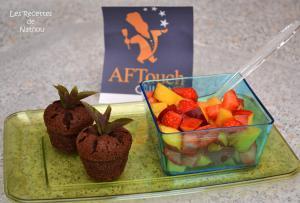 Salade de fraises et nectarines accompagnée de mini-fondants à la menthe