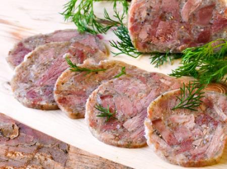 Tête de porc et langues au Chablis