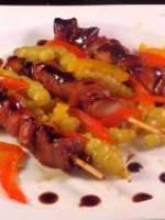 Brochettes de pintade en mode yakitori