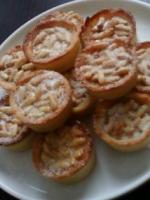 Mini tartes aux pignons de pin et au miel