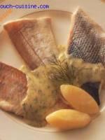 Panach� de poisson � la vapeur, sauce � l'aneth