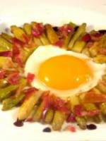 Pointes d'asperges ,l'oeuf au plat et Pancetta