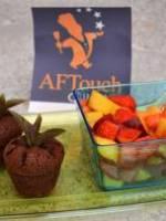 Salade de fraises et nectarines accompagn�e de mini-fondants � la menthe