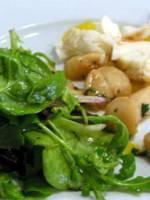 Salade de queues de langoustes et Saint-Jacques à la mangue